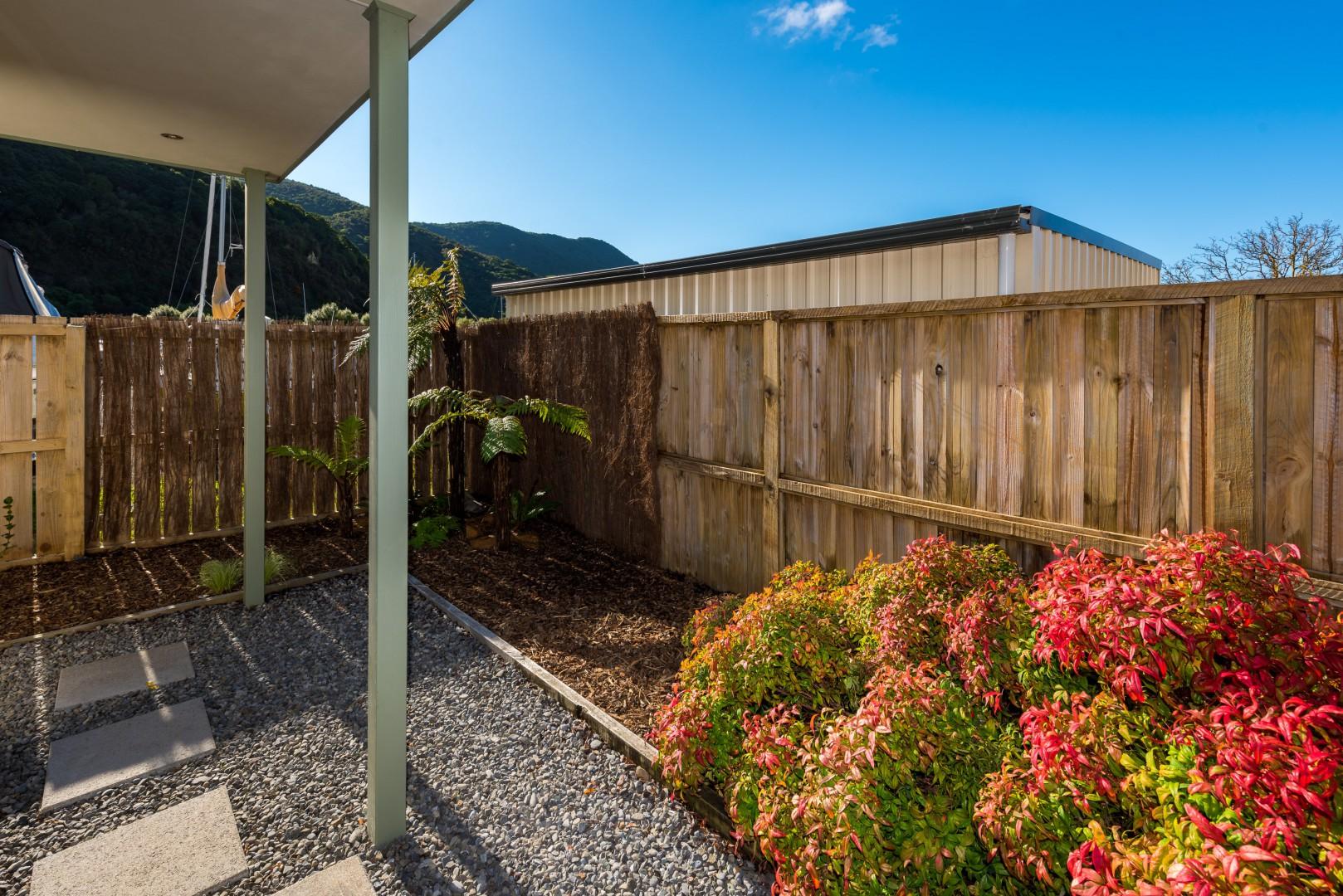 2a Marina Drive, Waikawa #3 -- listing/10041/b.jpeg