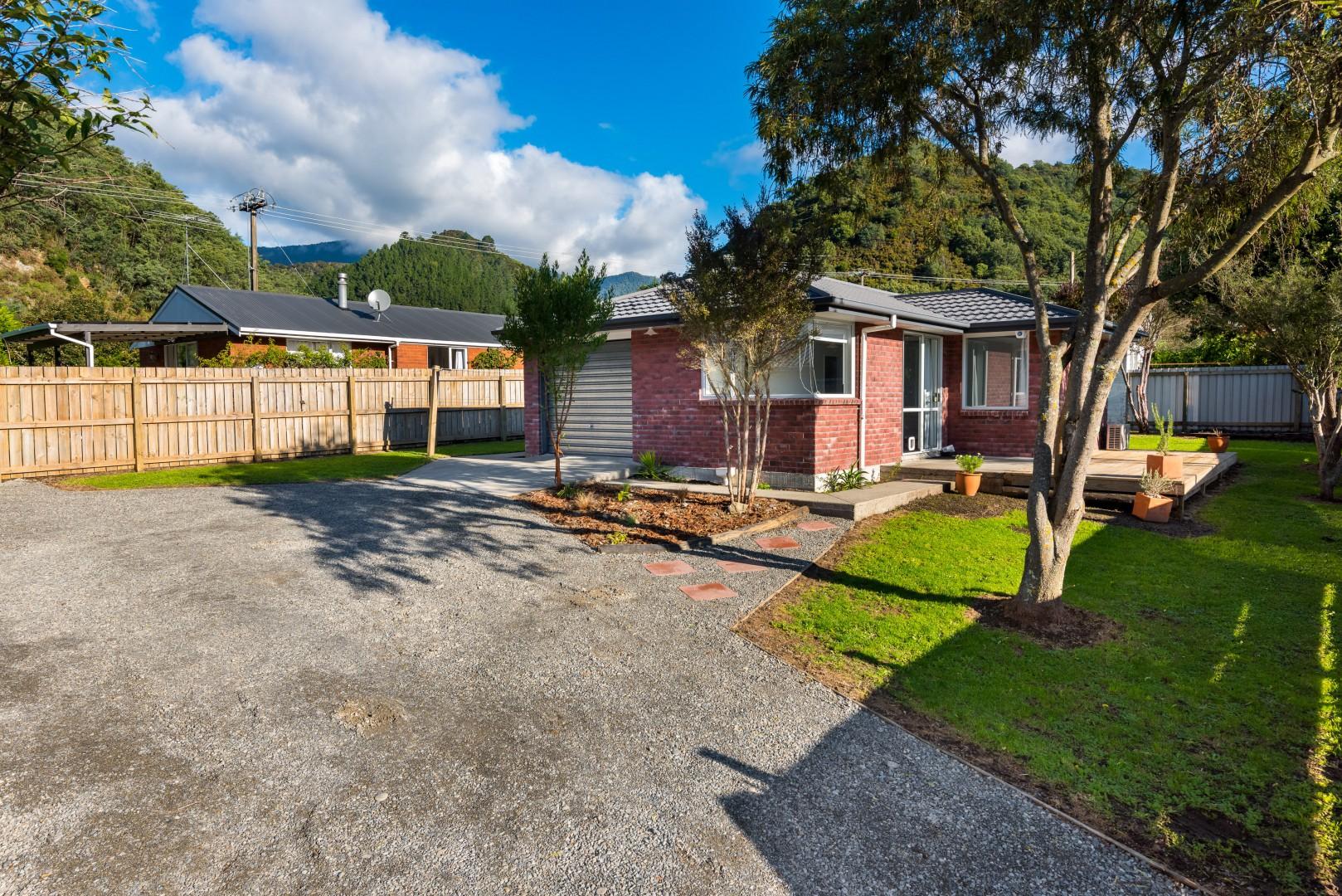 20 George Street, Picton #3 -- listing/10043/b.jpeg