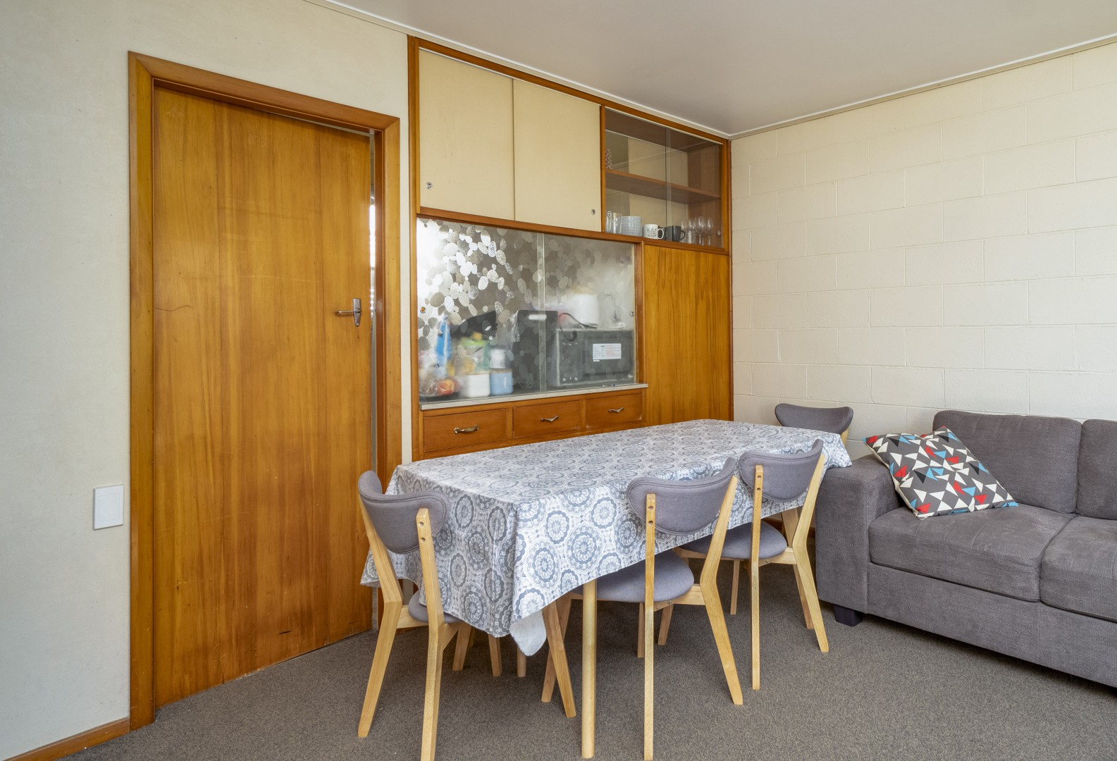 1, 2 and 3/145 Milton Street, The Wood #10 -- listing/10045/i.jpeg