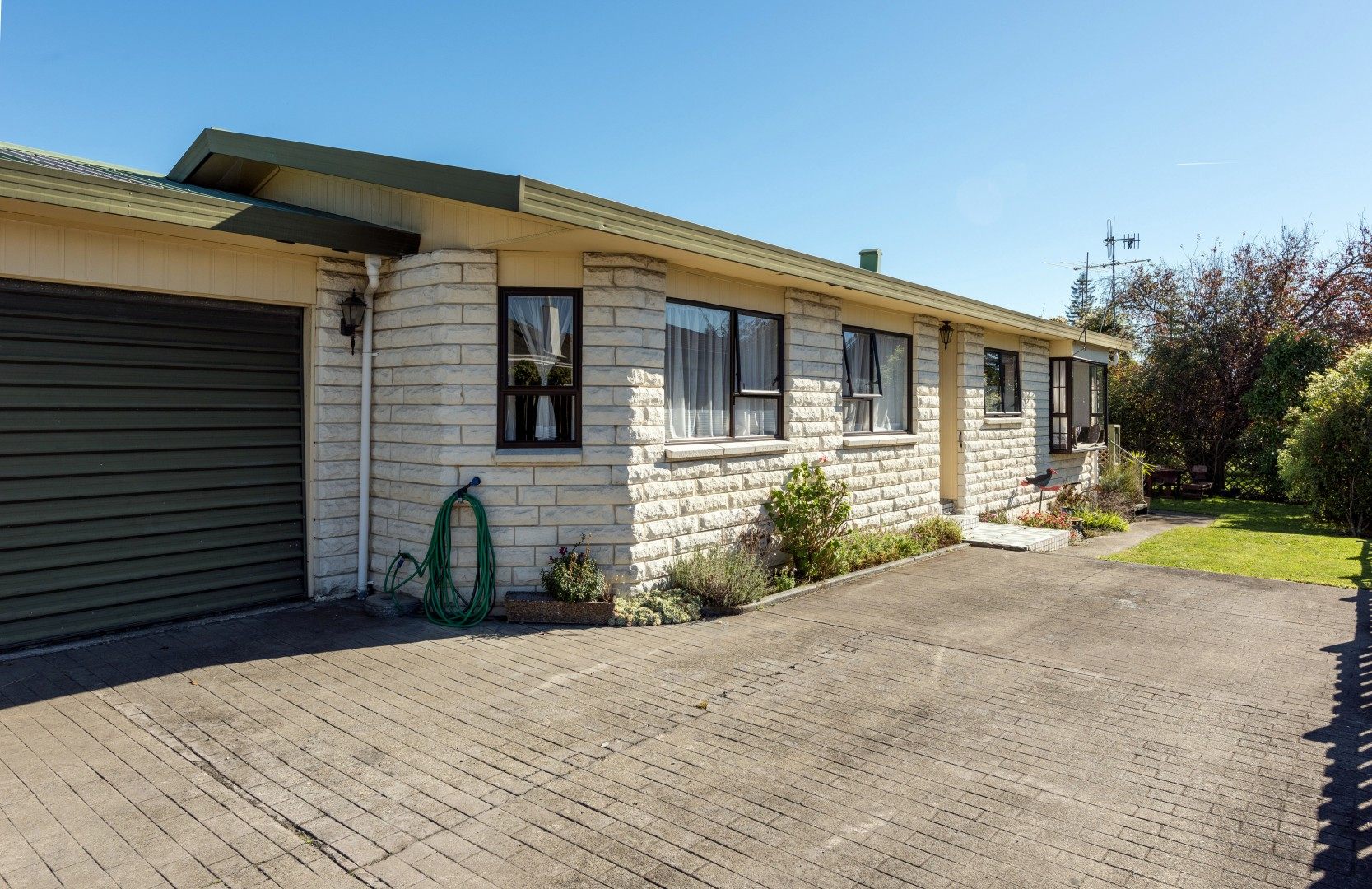 2/16 Willow Avenue, Stoke #2 -- listing/10073/a.jpeg