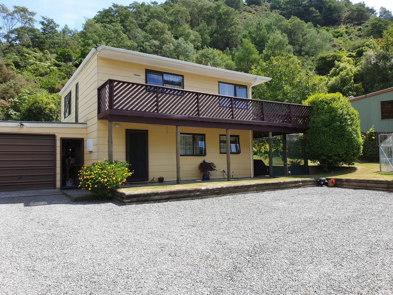19a Garden Terrace, Picton #1 -- listing/10139/m-v2.jpeg