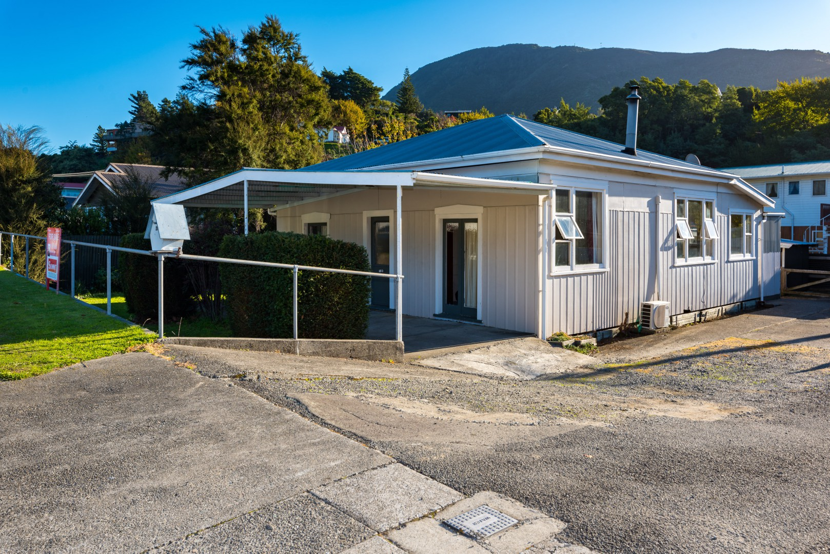 29 Wairau Road, Picton #1 -- listing/10140/m.jpeg