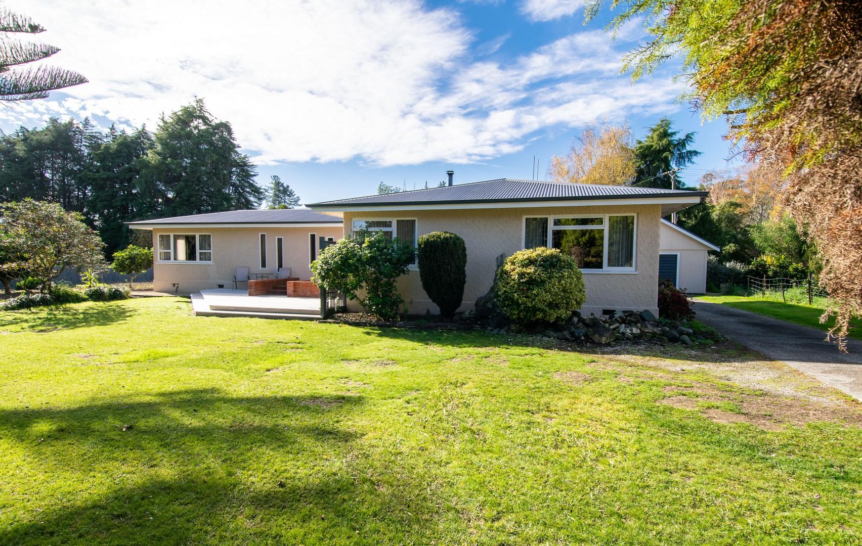 398 Aporo Road, Tasman #1 -- listing/10163/m.jpeg