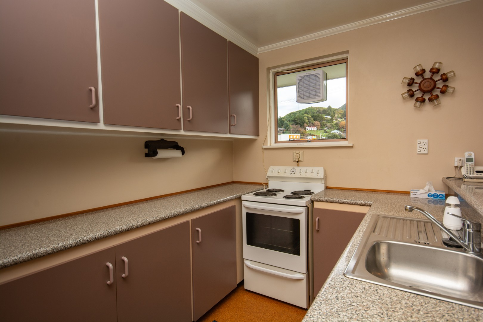 20a Nelson Square, Picton #10 -- listing/10227/i.jpeg