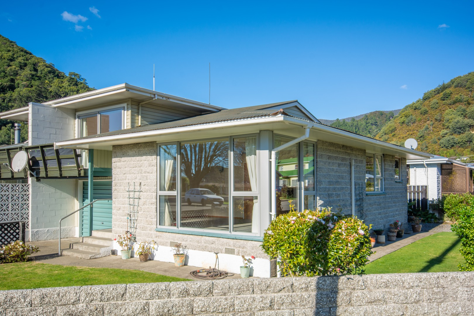 20a Nelson Square, Picton #1 -- listing/10227/m.jpeg
