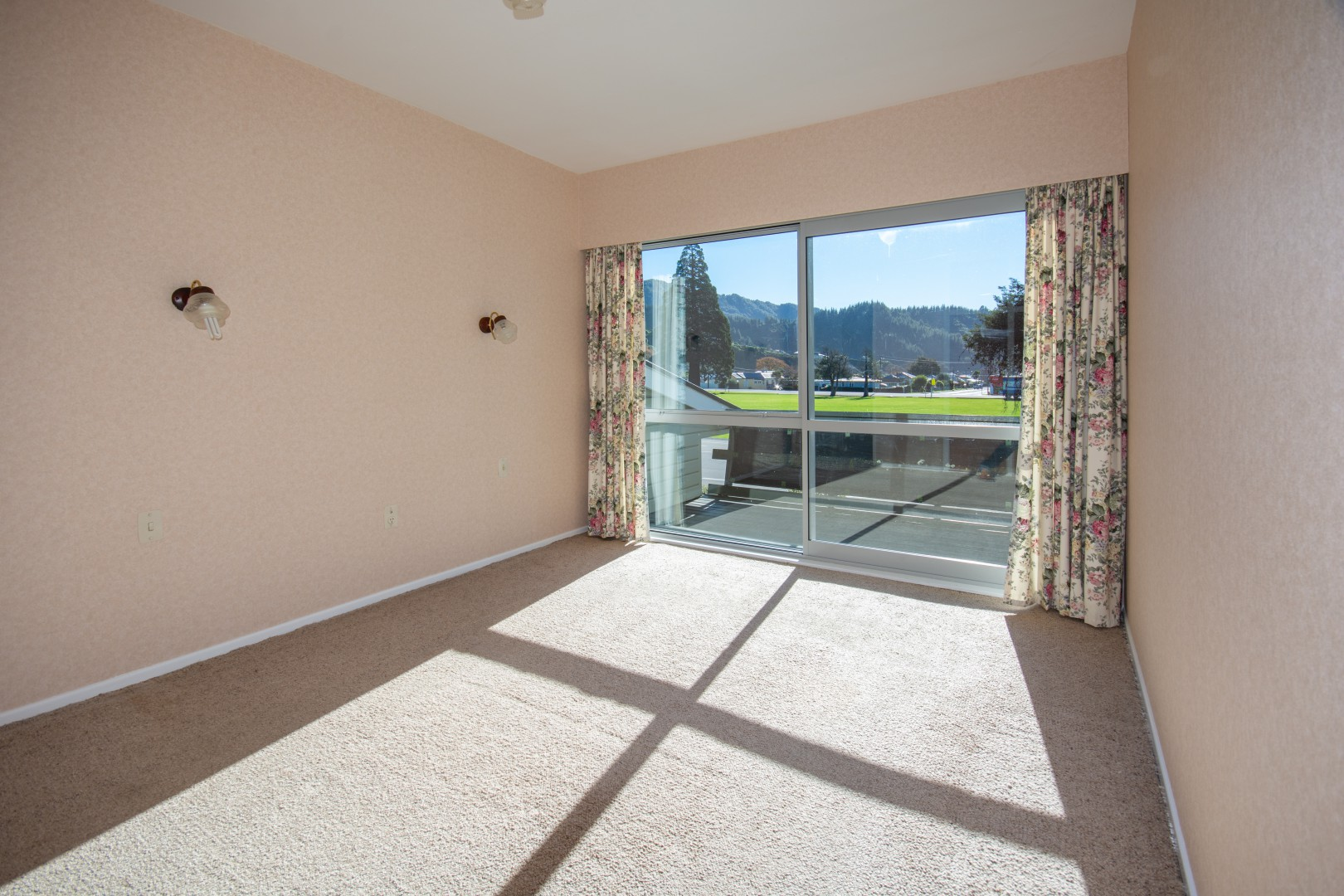 20a Nelson Square, Picton #15 -- listing/10227/o.jpeg