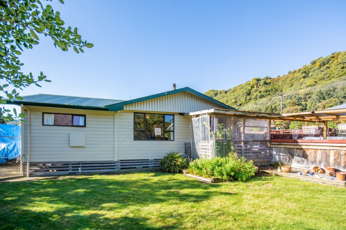 52 Wairau Road, Picton #1