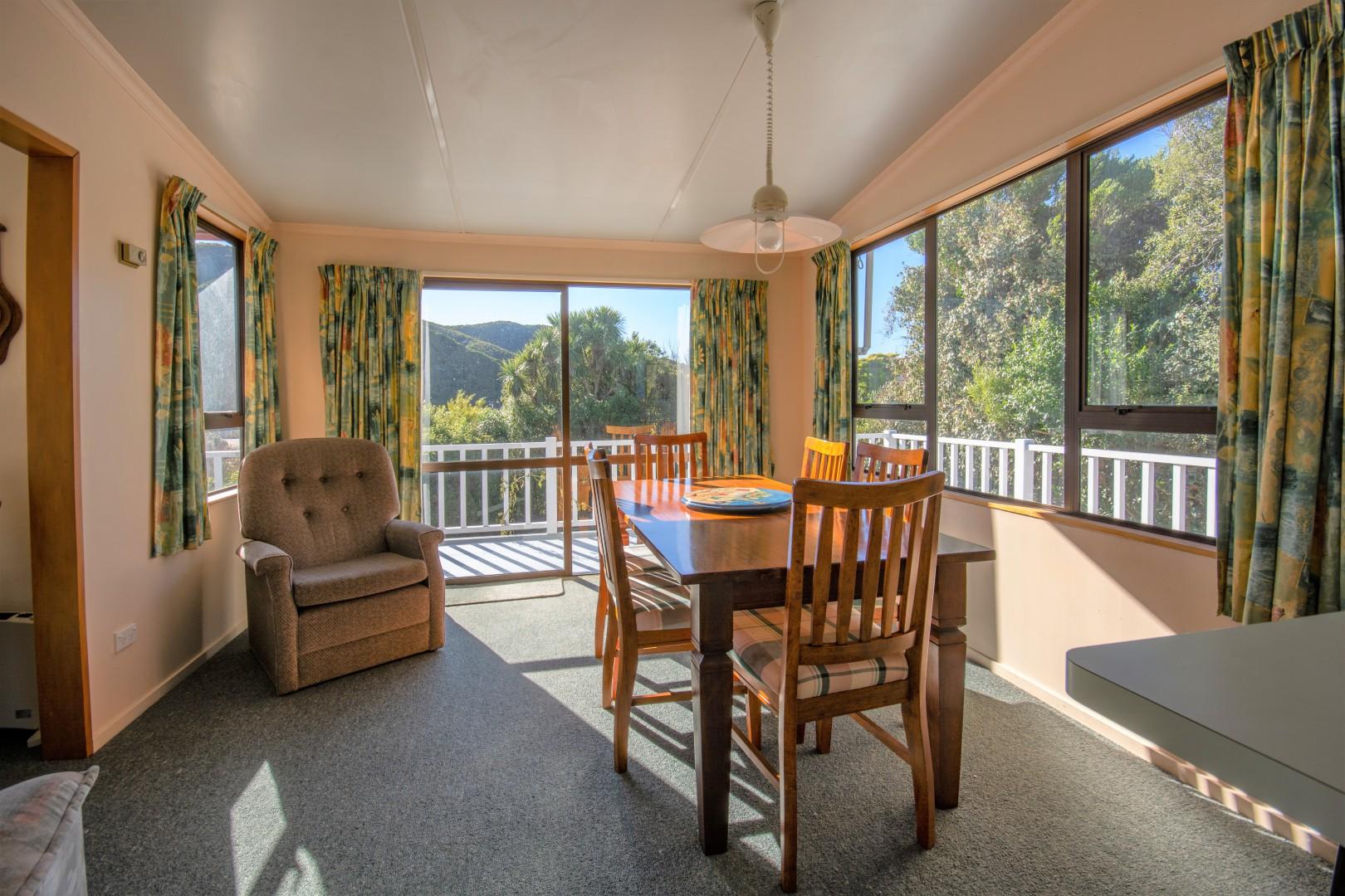 239b Waikawa Road, Waikawa #5 -- listing/10391/d-v2.jpeg