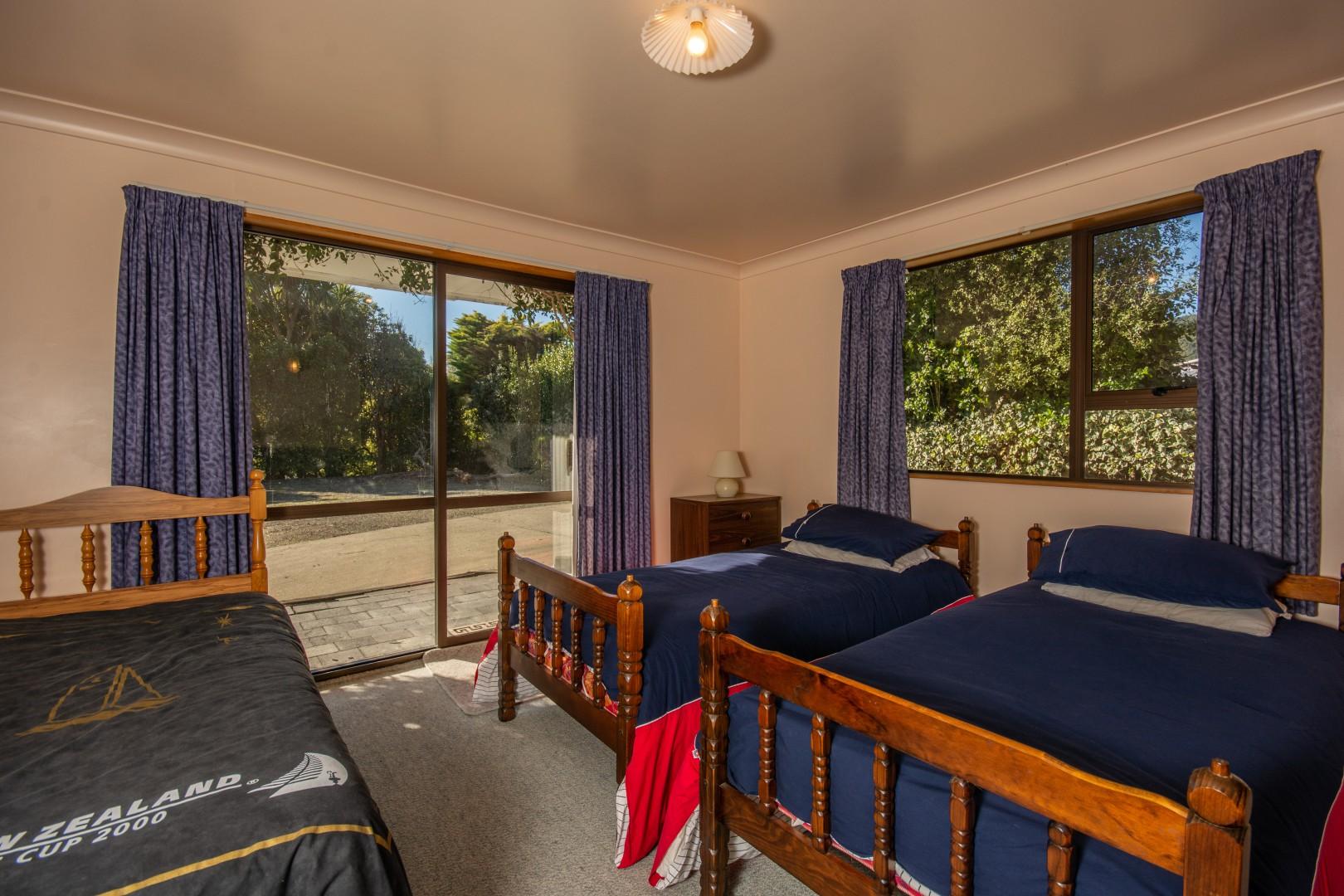 239b Waikawa Road, Waikawa #12 -- listing/10391/k-v2.jpeg