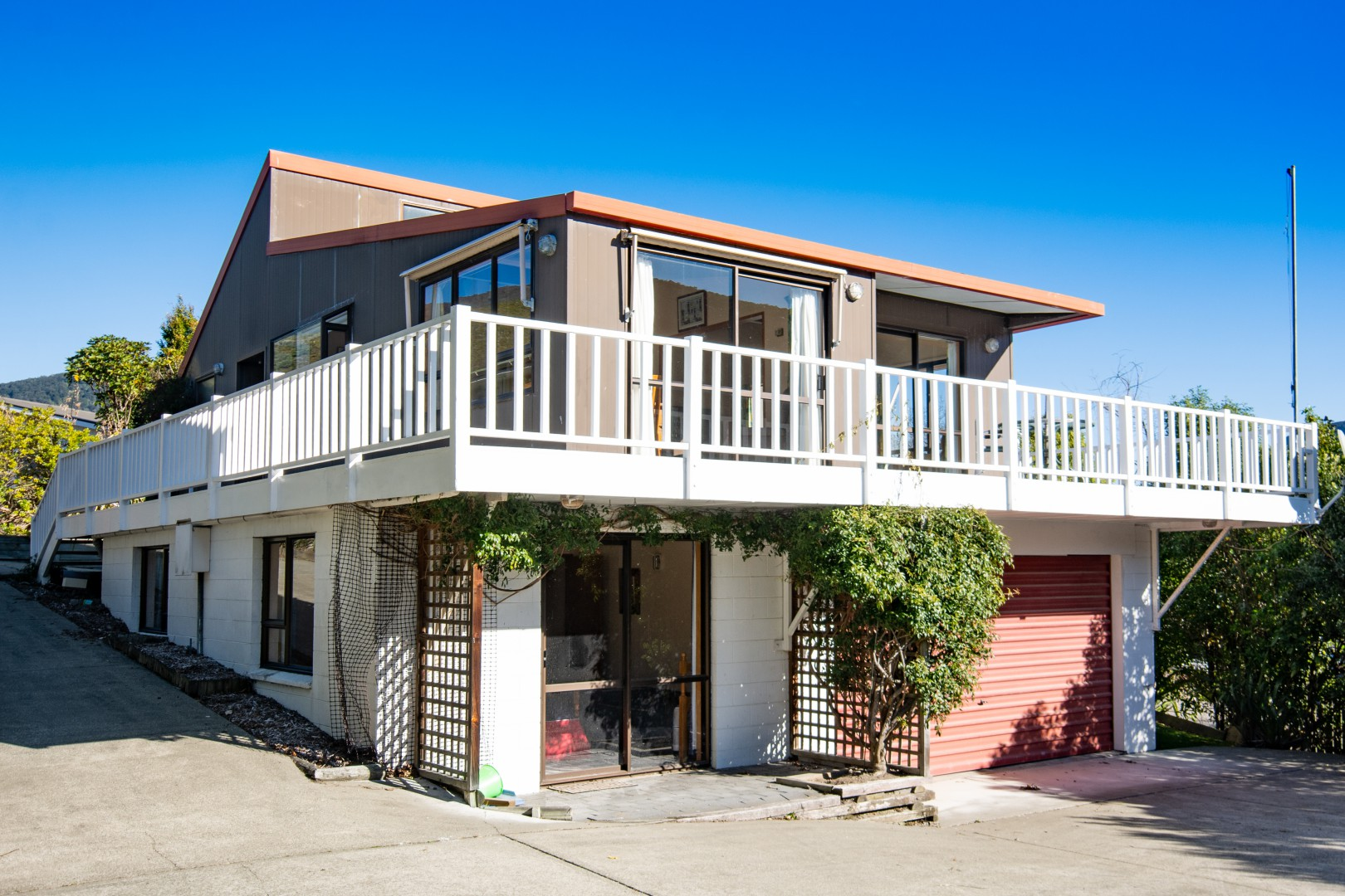 239b Waikawa Road, Waikawa #1 -- listing/10391/m-v2.jpeg