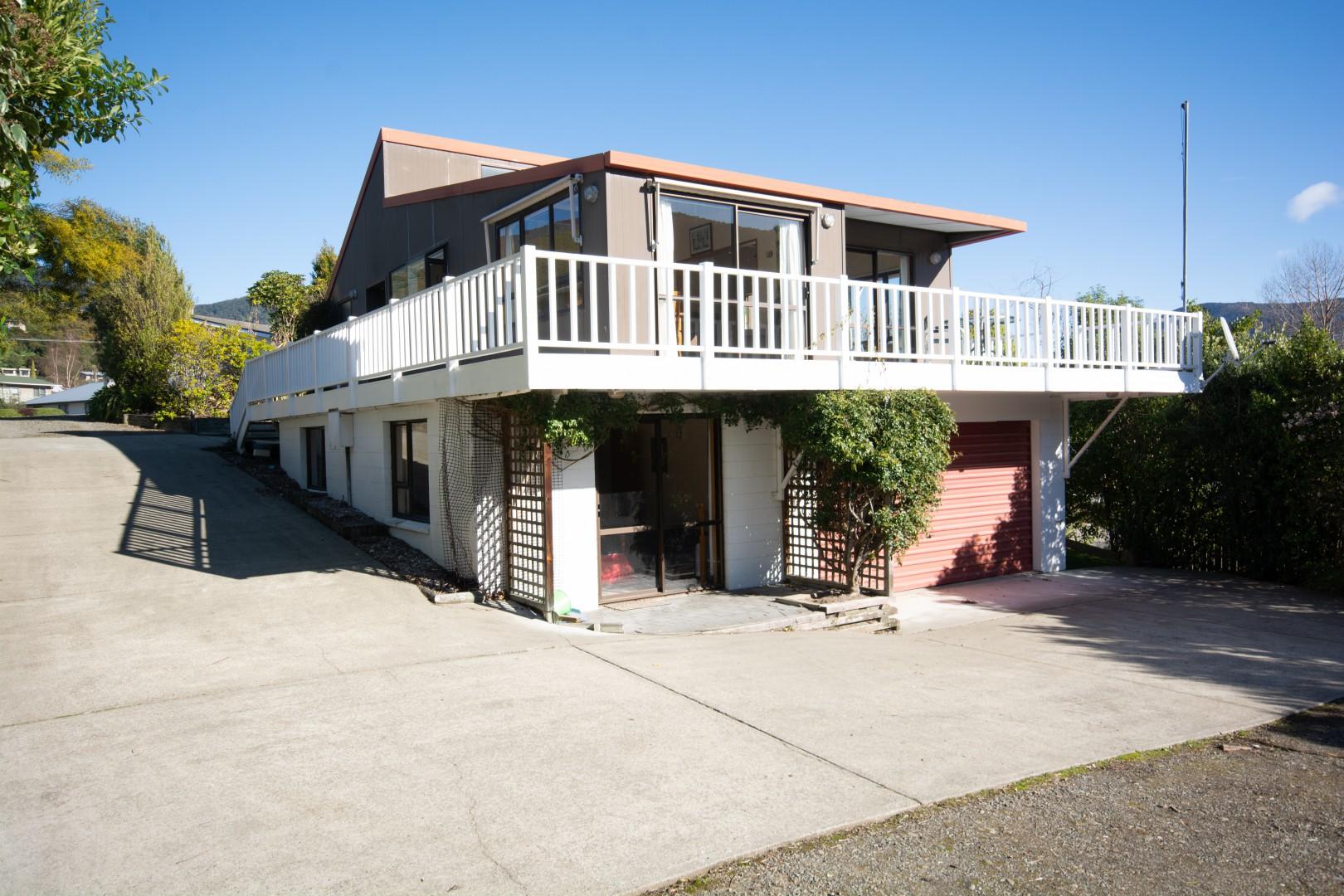 239b Waikawa Road, Waikawa #15 -- listing/10391/o-v2.jpeg