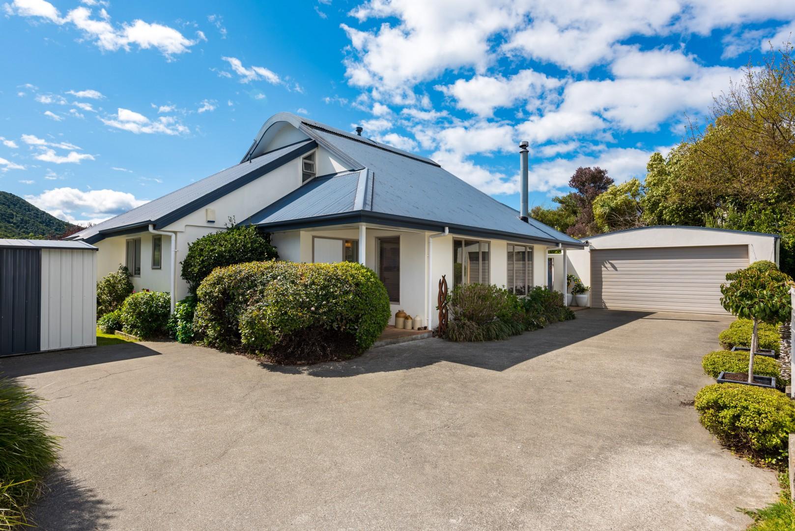 13 Captains Close, Waikawa #1 -- listing/10500/m.jpeg