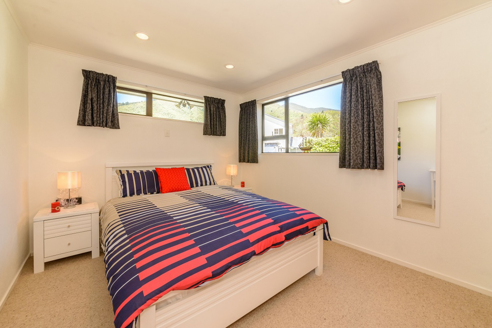 243a Waikawa Road, Picton #9 -- listing/10648/h-v2.jpeg