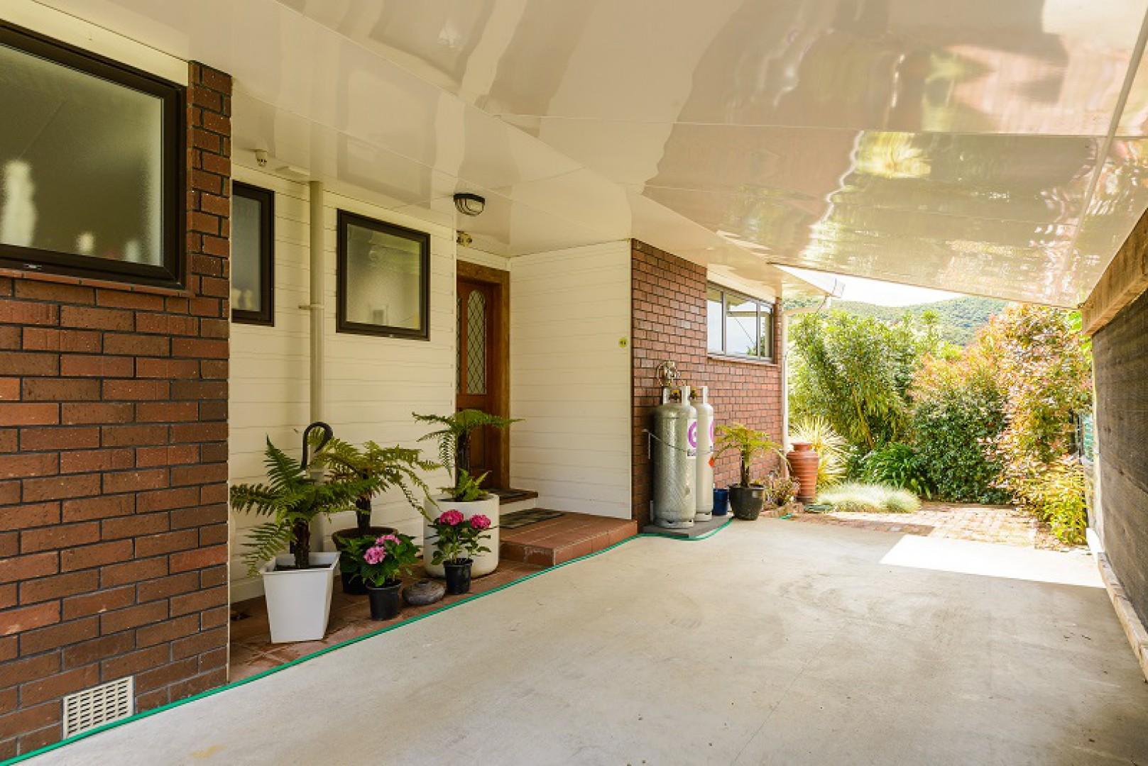 243a Waikawa Road, Picton #14 -- listing/10648/n-v2.jpeg