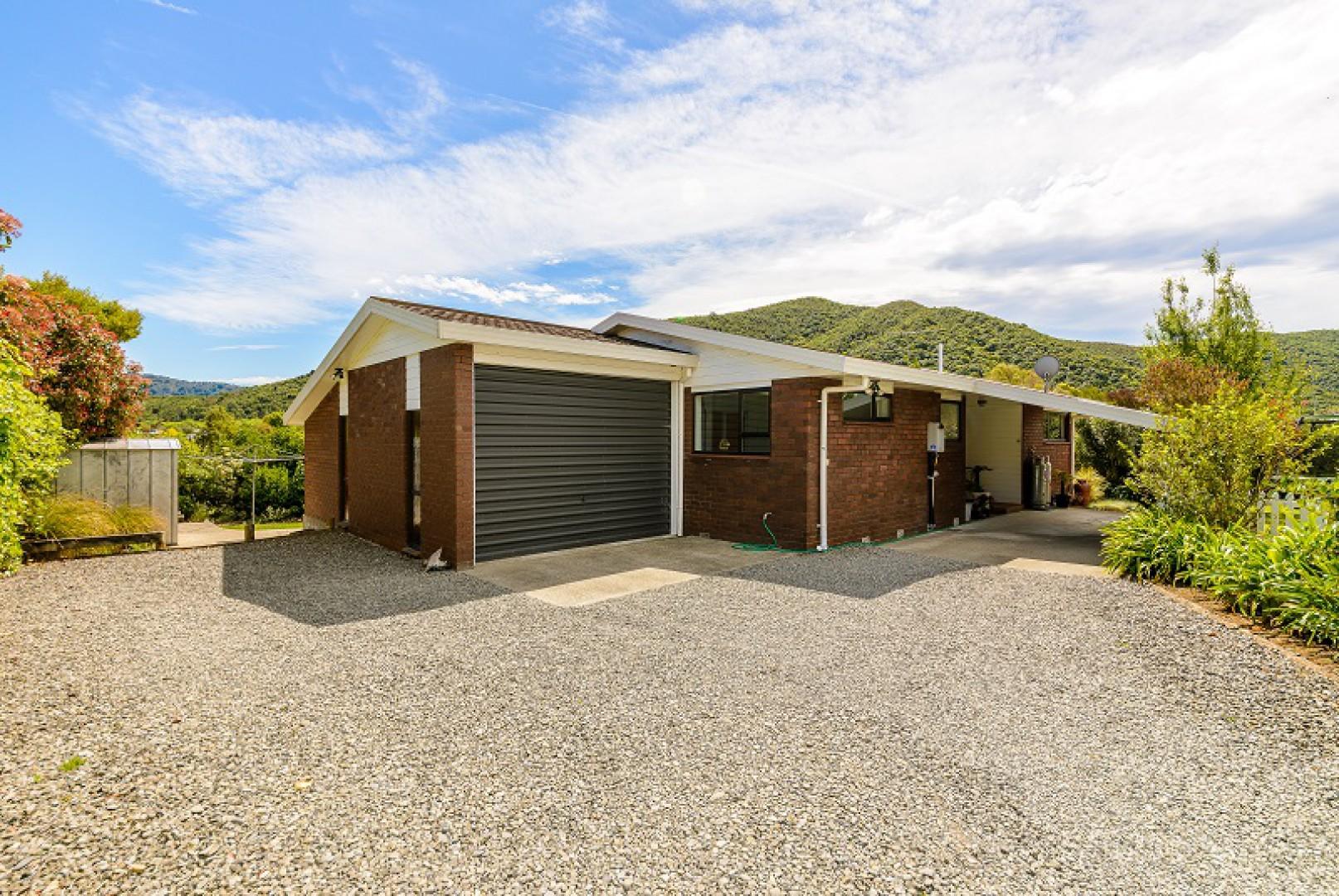 243a Waikawa Road, Picton #15 -- listing/10648/o-v2.jpeg