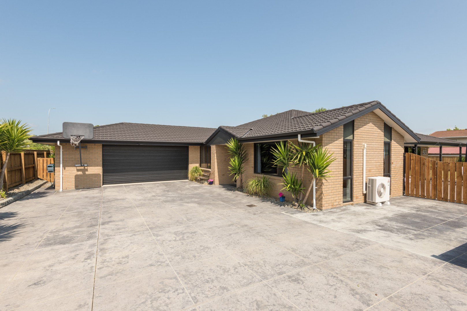 40 Taranaki Place, Richmond #1 -- listing/10751/m.jpeg