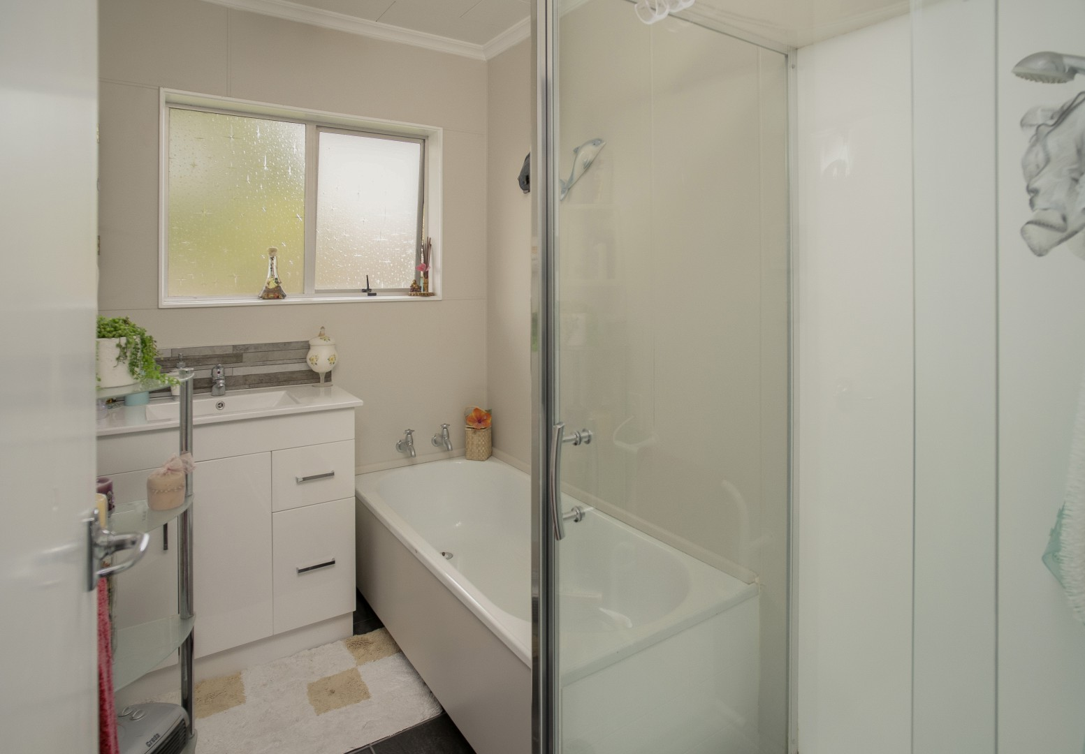 6/13 Gladstone Road, Richmond #11 -- listing/10835/j-v18.jpeg