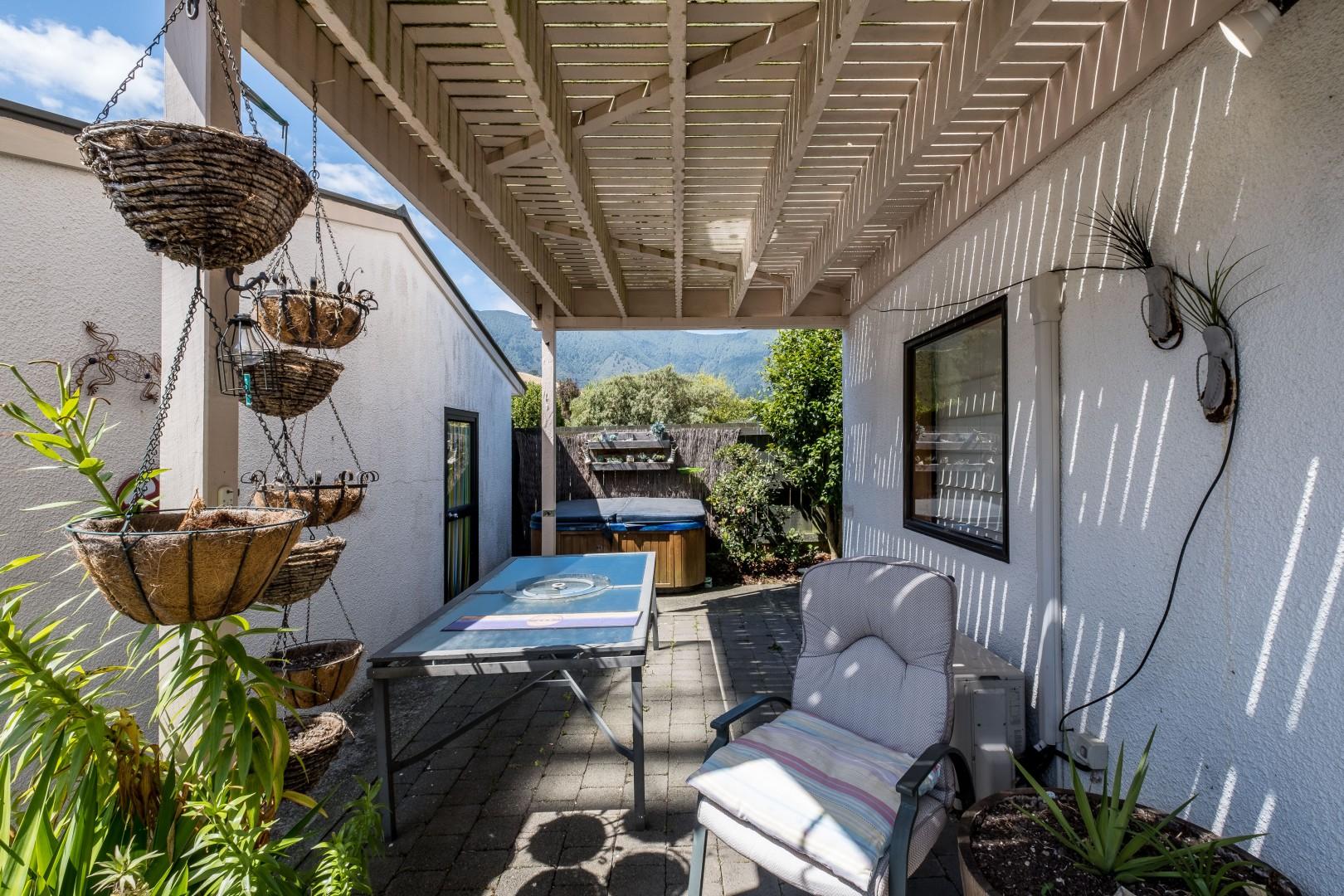 5 Ranui Street, Waikawa #6 -- listing/10908/e-v3.jpeg