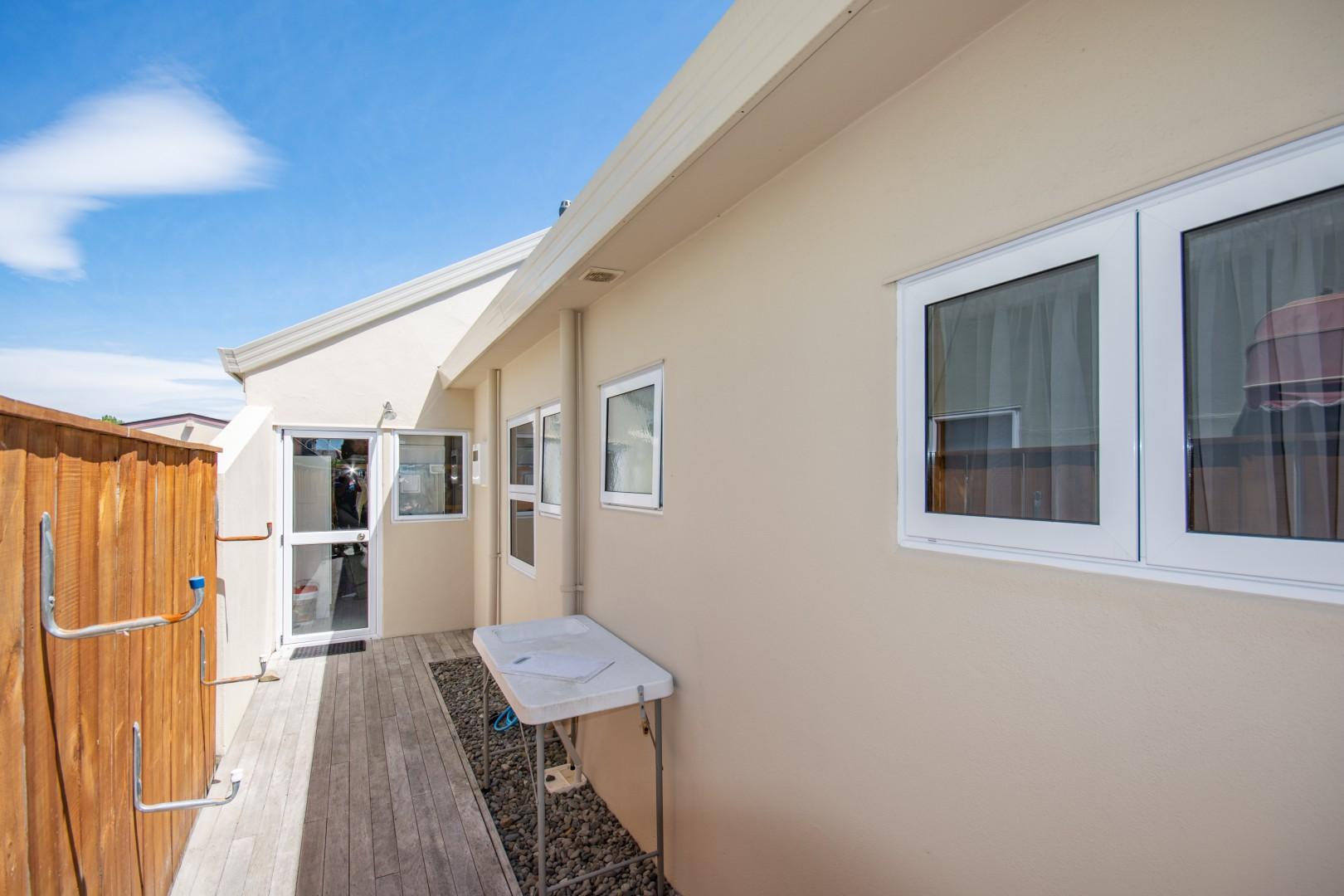 27a Beach Road, Waikawa #5 -- listing/10925/d-v2.jpeg