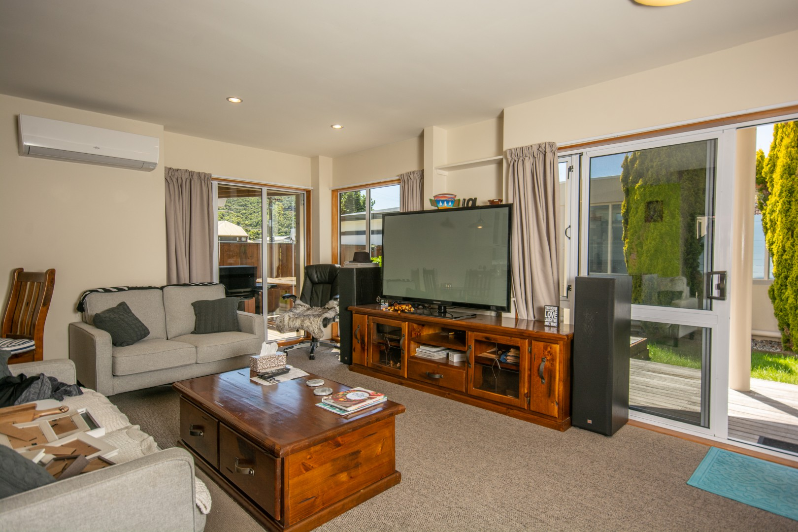 27a Beach Road, Waikawa #7 -- listing/10925/f-v2.jpeg