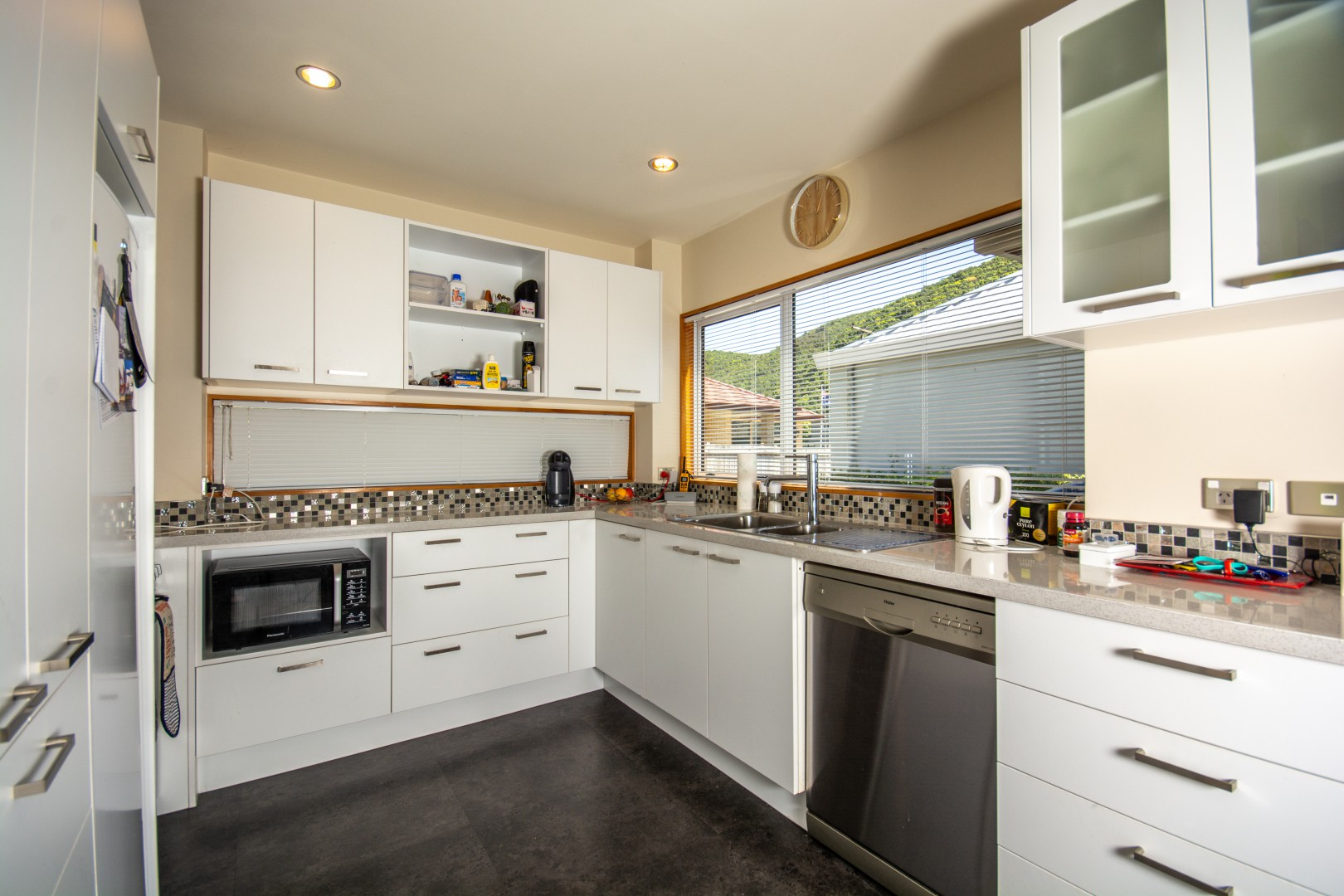 27a Beach Road, Waikawa #9 -- listing/10925/h-v2.jpeg