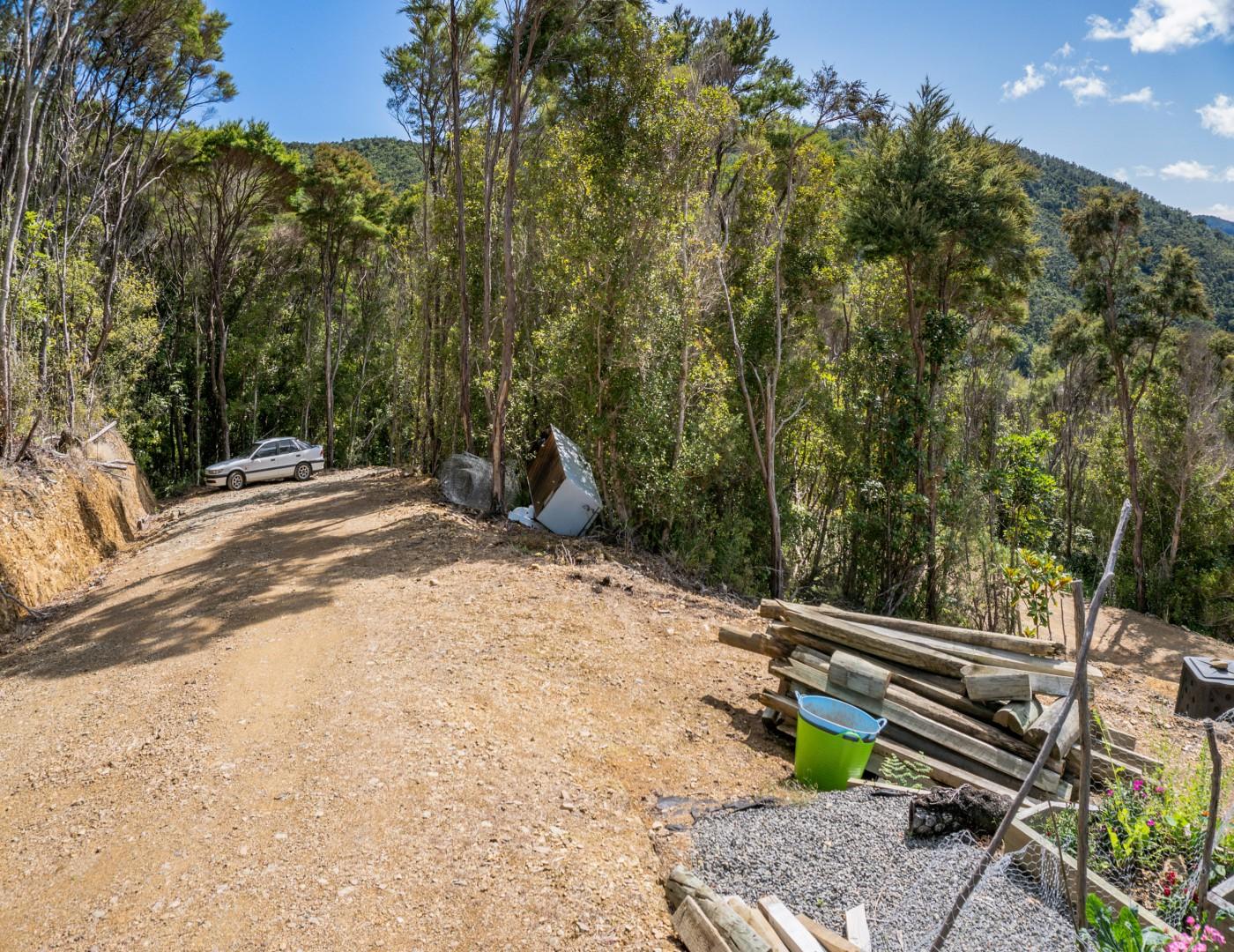 - Ronga Road, Croisilles Hill, Okiwi Bay #5 -- listing/10949/d-v2.jpeg