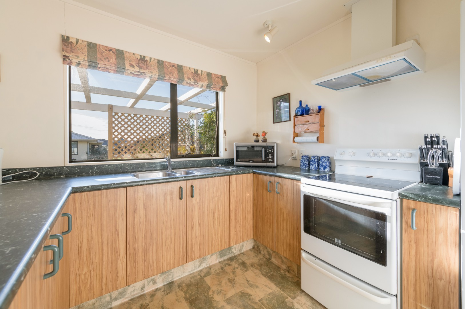 21 Hawthorn Way, Richmond #2 -- listing/11186/a-v2.jpeg