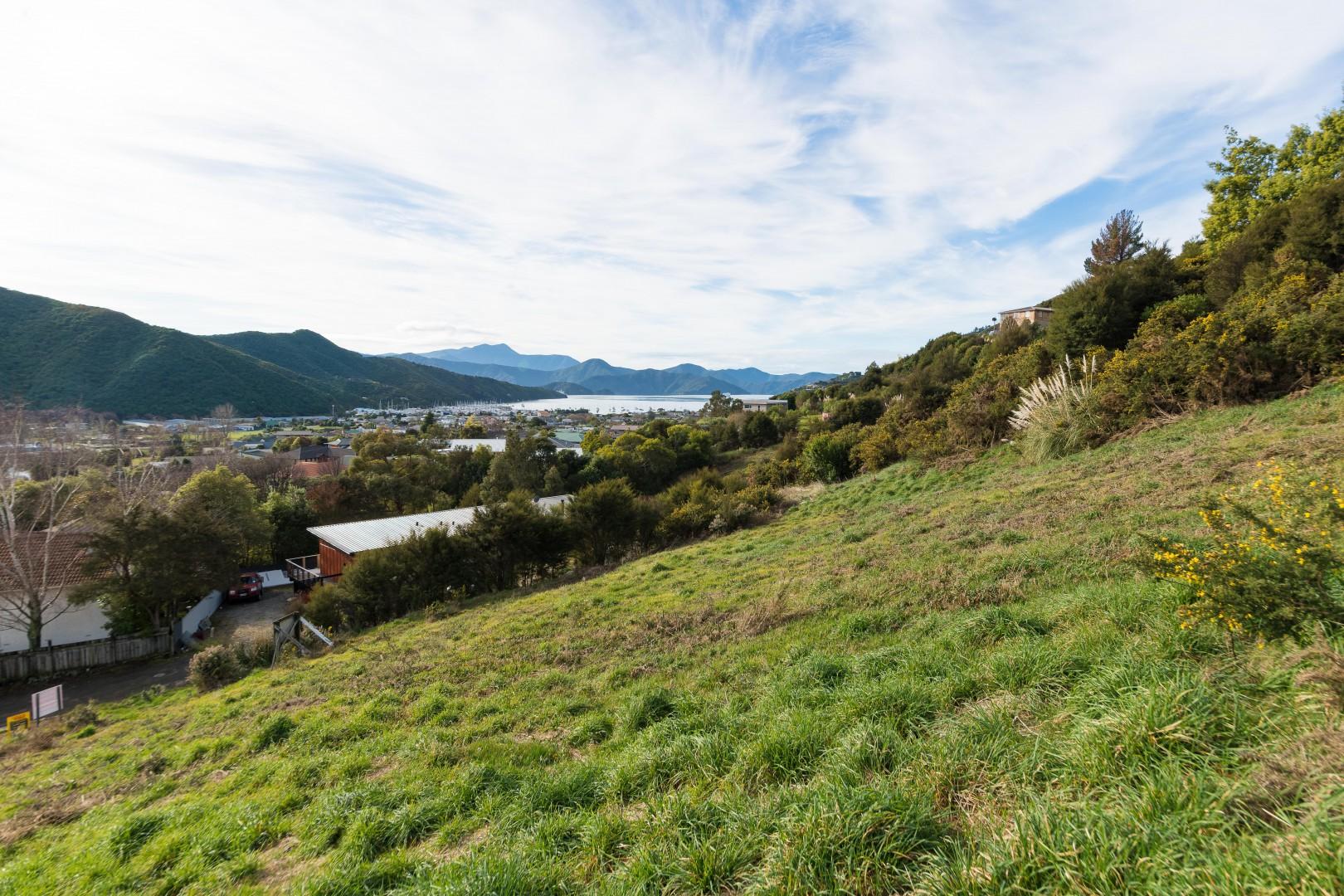 41 Boons Valley Road, Waikawa #2 -- listing/11305/a-v6.jpeg