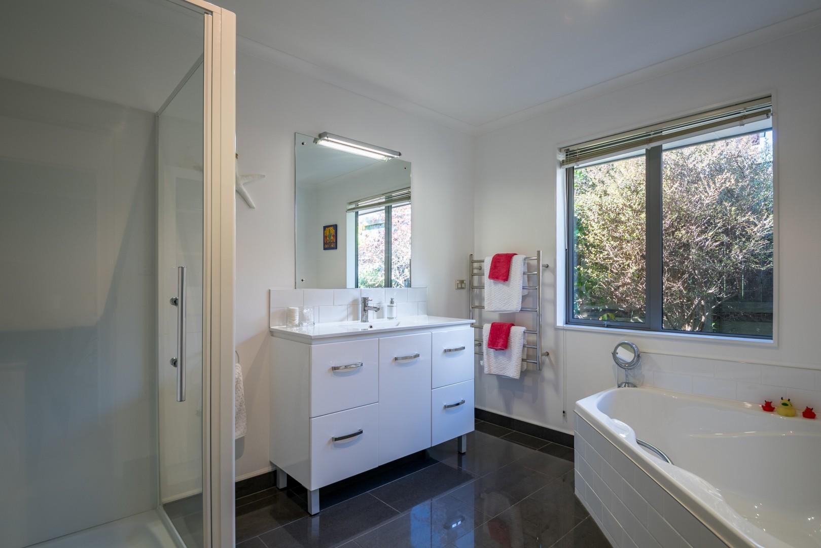 3 Fantail Heights, Picton #11 -- listing/11361/j-v2.jpeg