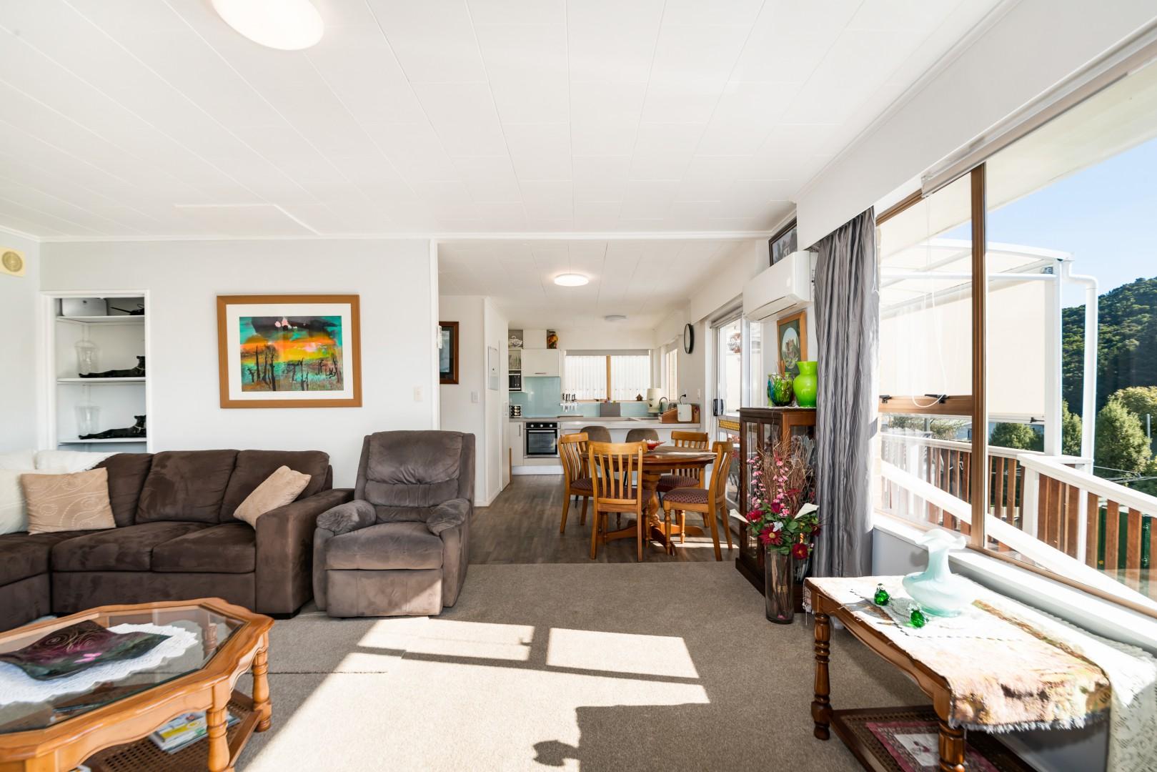 131b Waikawa Road, Picton #7 -- listing/11443/f-v2.jpeg