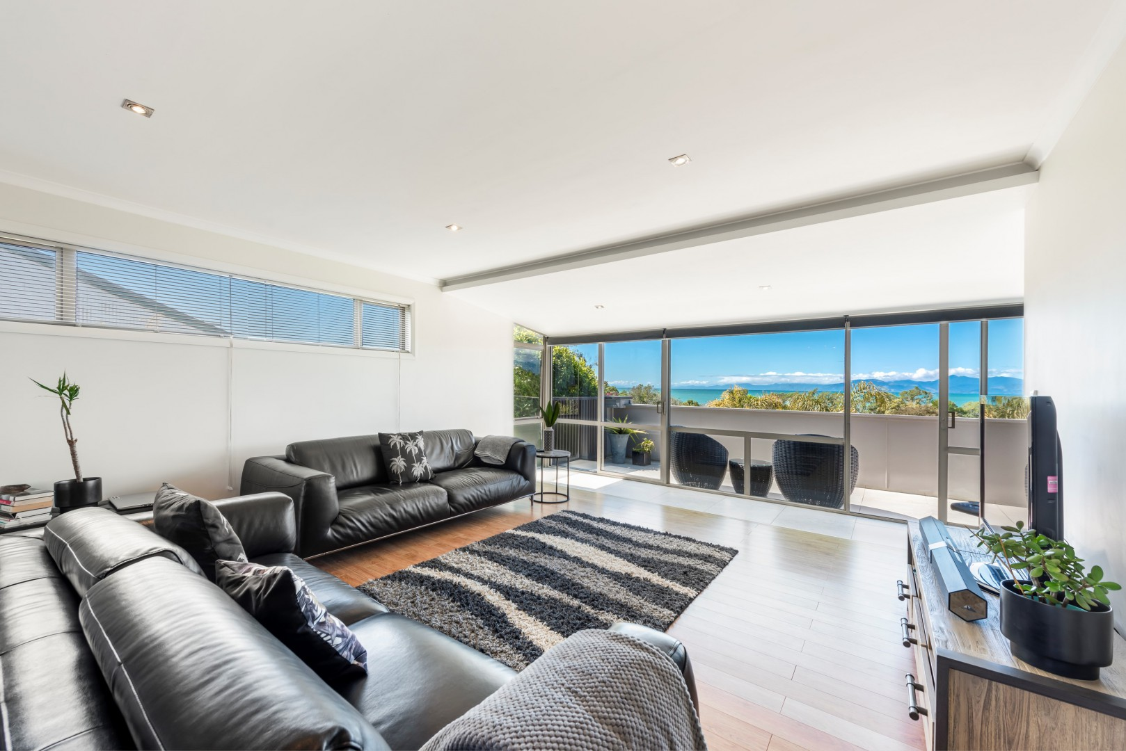 10 Cliff Road, Tasman #1 -- listing/11515/m-v3.jpeg