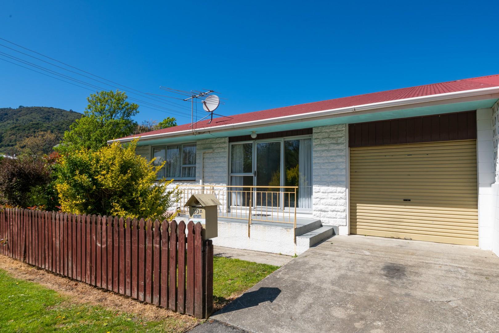 30a Buller Street, Picton #1 -- listing/11587/m-v2.jpeg