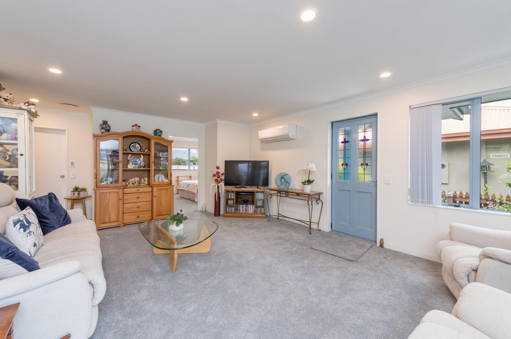 29 Ivy Crescent, Richmond #8 -- listing/11700/g.jpeg