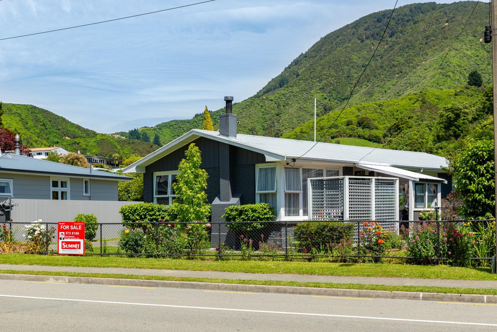 27 Kent Street, Picton #2 -- listing/11703/a-v2.jpeg