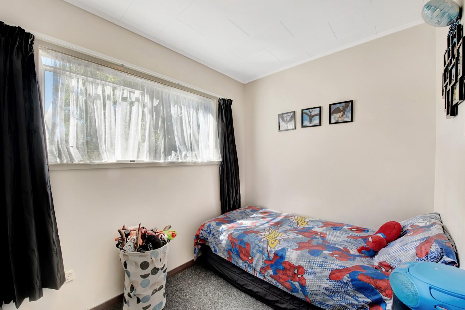 8b Windlesham Place, Wakefield #9 -- listing/11902/h-v2.jpeg