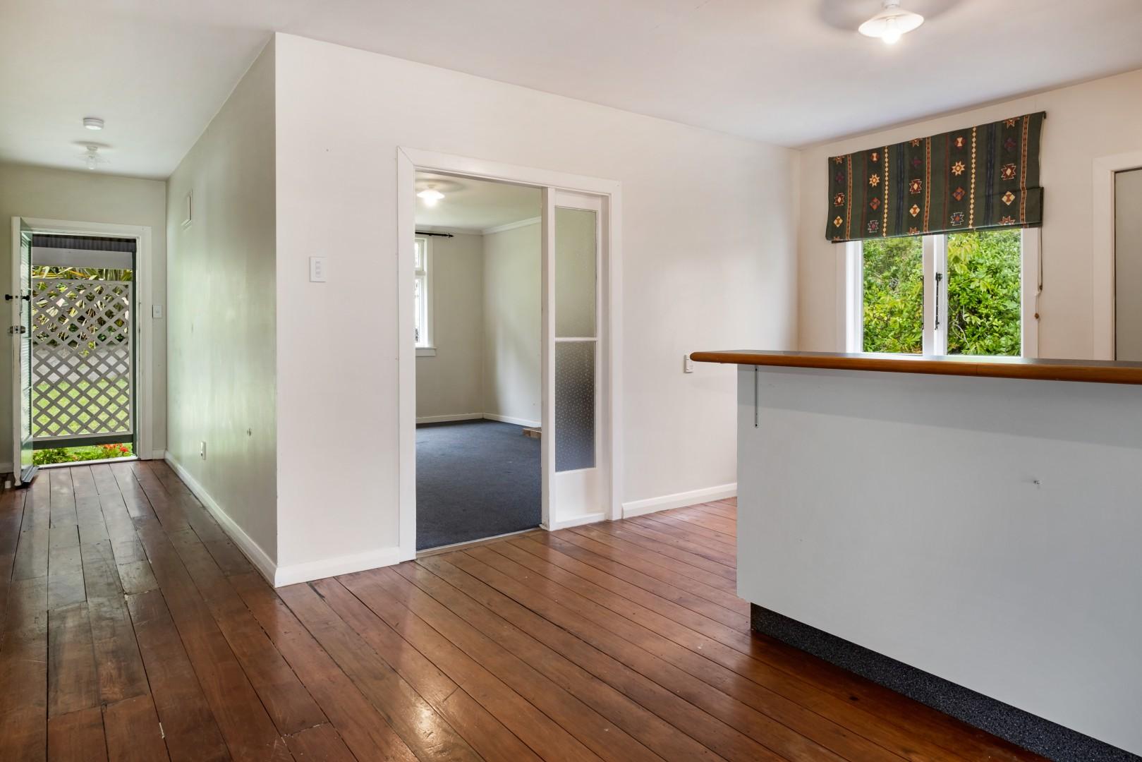 139 Waikawa Road, Picton #3 -- listing/12022/b-v4.jpeg