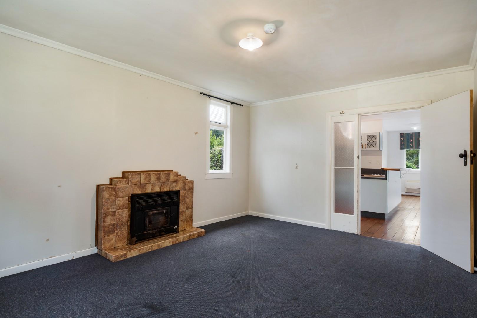 139 Waikawa Road, Picton #4 -- listing/12022/c-v4.jpeg