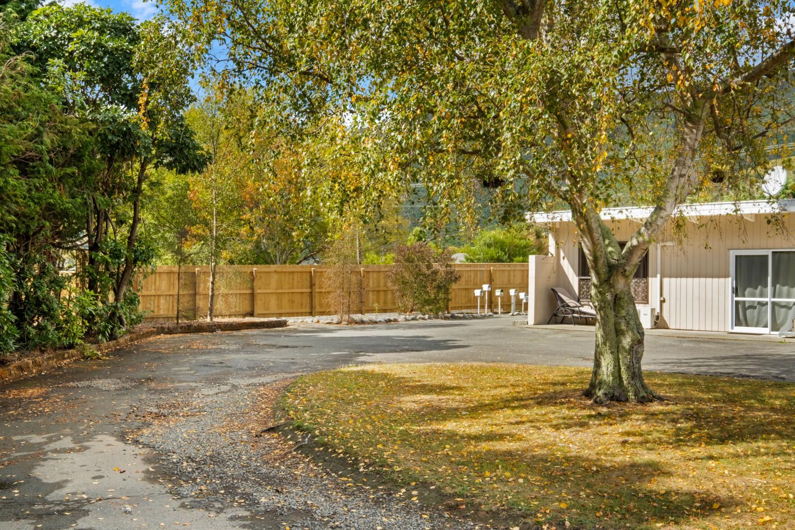 Flat 5, 209 Waikawa Road, Waikawa #3 -- listing/12114/b.jpeg