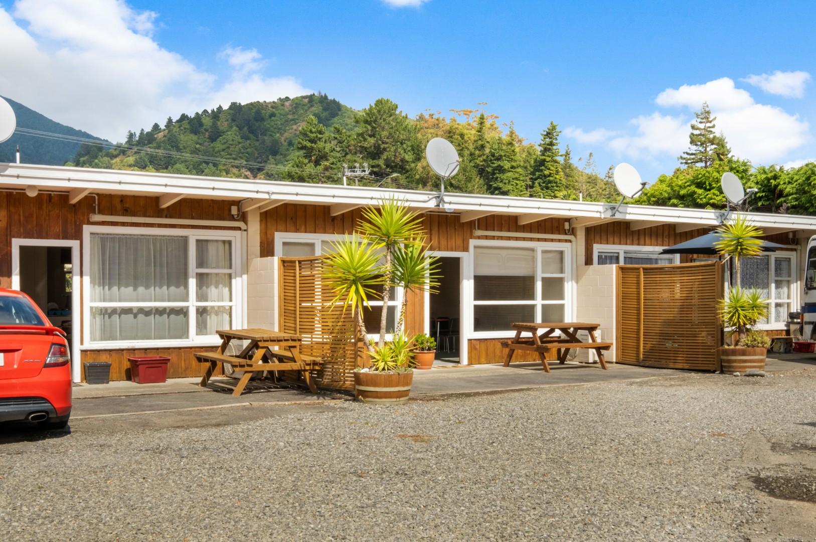 Flat 5, 209 Waikawa Road, Waikawa #4 -- listing/12114/c.jpeg