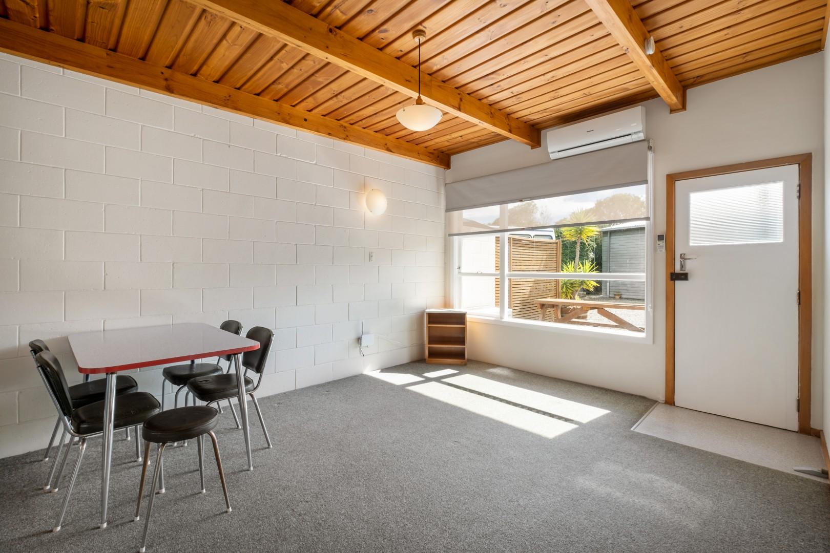 Flat 5, 209 Waikawa Road, Waikawa #7 -- listing/12114/f.jpeg