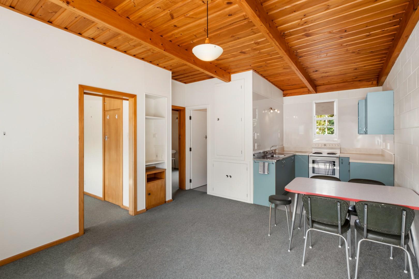 Flat 5, 209 Waikawa Road, Waikawa #8 -- listing/12114/g.jpeg