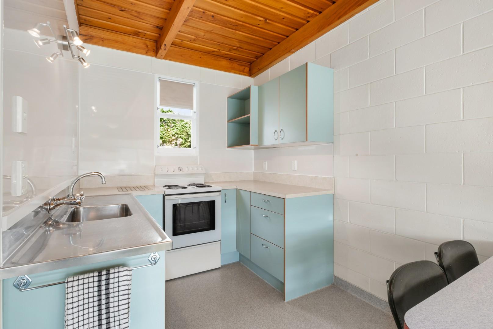 Flat 5, 209 Waikawa Road, Waikawa #9 -- listing/12114/h.jpeg