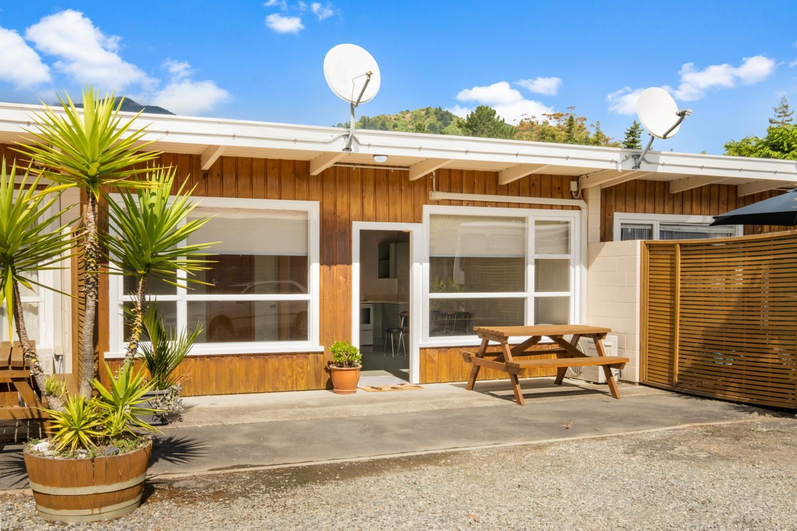 Flat 5, 209 Waikawa Road, Waikawa #1 -- listing/12114/m.jpeg