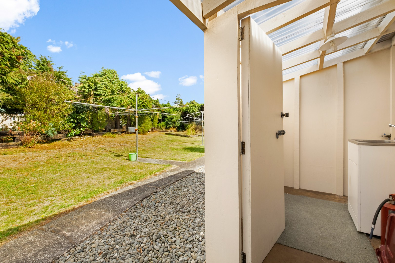 Flat 5, 209 Waikawa Road, Waikawa #16 -- listing/12114/p.jpeg