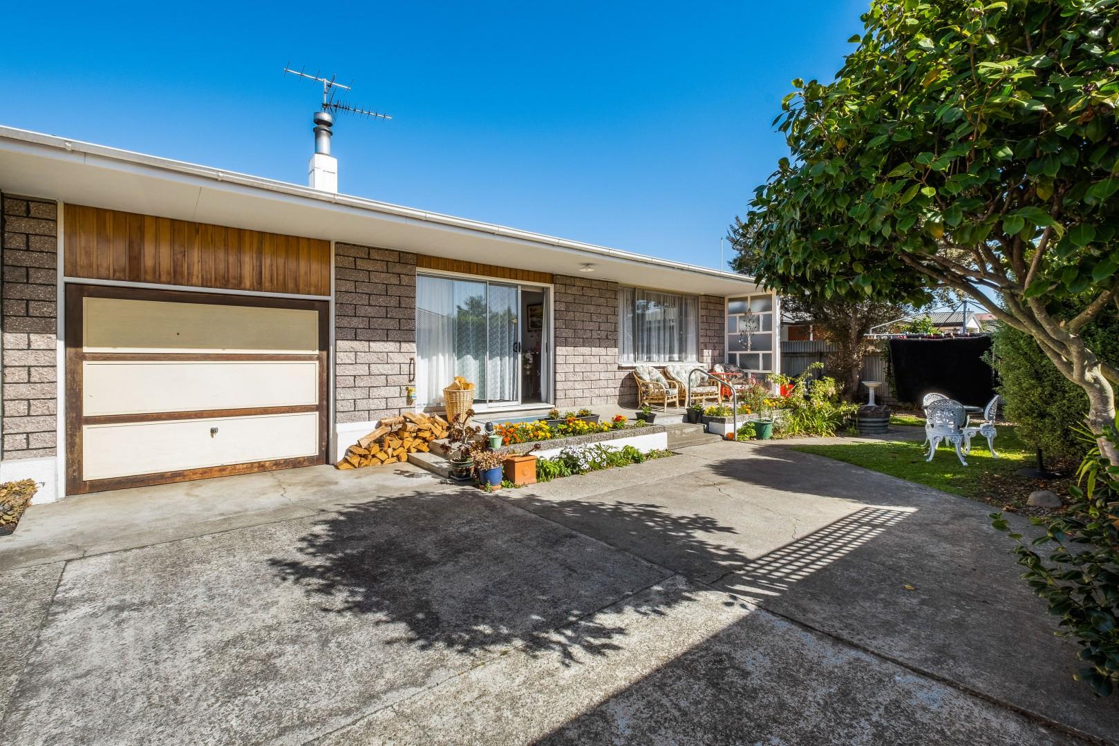 4a Bexhill Cresent, Redwoodtown #1 -- listing/12163/m-v2.jpeg