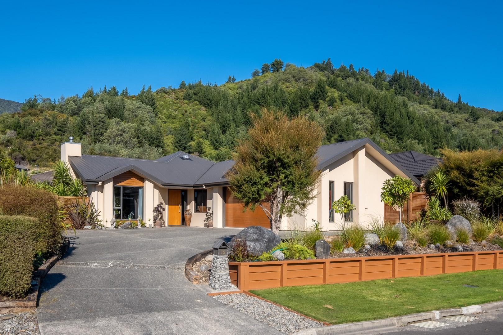 15 Weka Place, Picton #1 -- listing/12240/m.jpeg