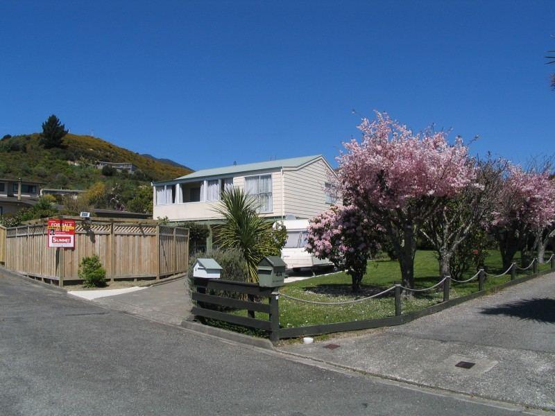 4 Bayview Drive, Waikawa #1 -- listing/3337/m.jpeg