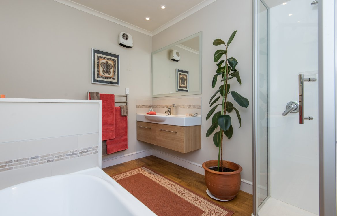 1 Alexandra Grove, Richmond #18