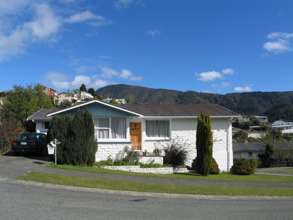 13 Seaview Crescent, Picton #2