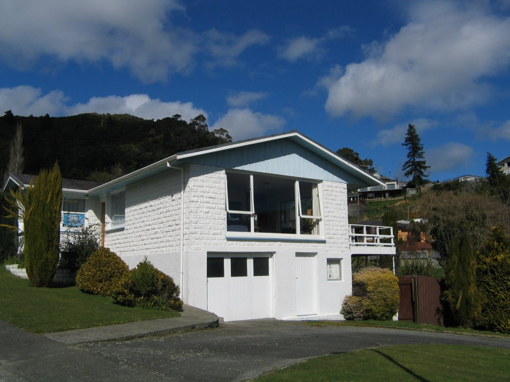 13 Seaview Crescent, Picton #1